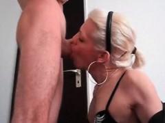 sexy-shemale-blowjob