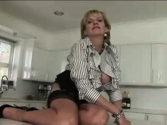 lady-sonia-toys-herself-with-vibrator