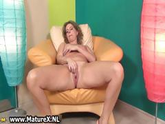 sexy-mature-lady-in-high-heels-loves-part2