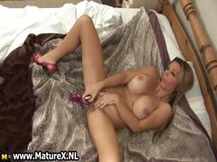 sexy-mature-housewife-fucking-part1