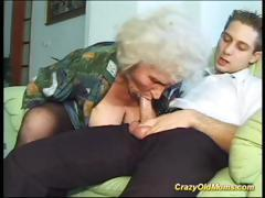 cray-old-mom-gets-fucked-hard