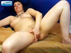 mature-on-webcam-fingering-her-pussy