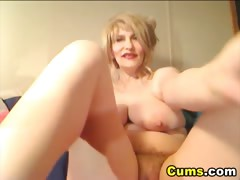 Massive Tits Cougar Pleasures Herself HD