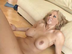 julia-ann-white-mommas